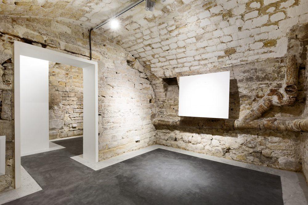 Galerie à louer, Paris Le Marais, cave voutée