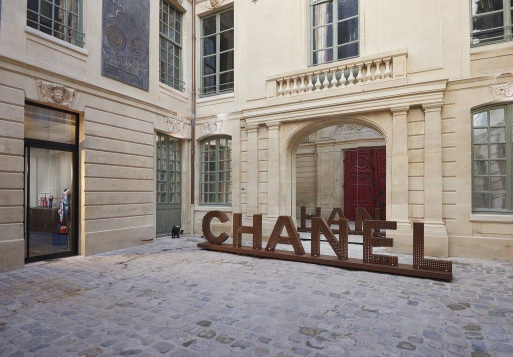 La maison Chanel s'installe dans le marais